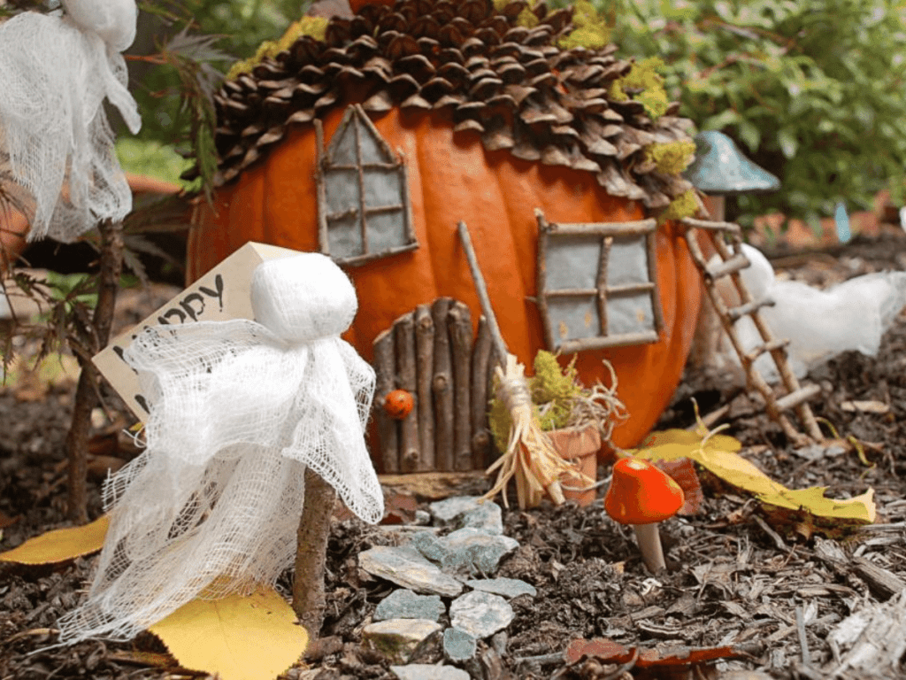 pumpkin fairy house- pumpkin decorating ideas