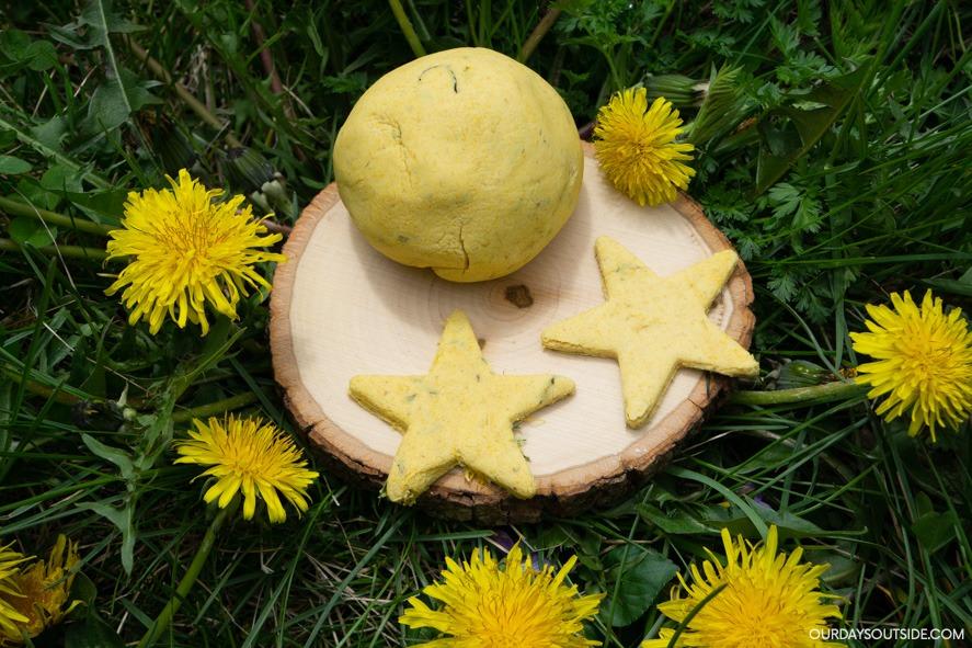 fun things to do with dandelions- dandelion play dough